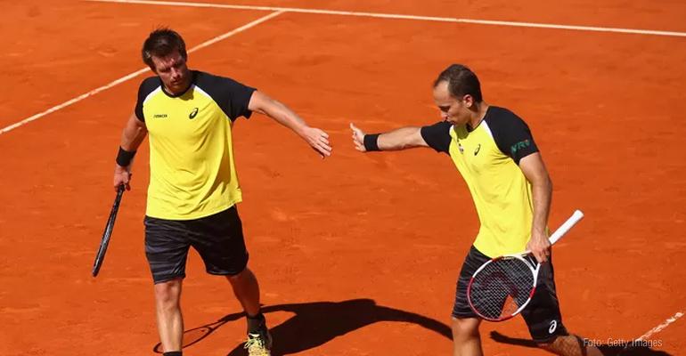 Bruno Soares e André Sá seguem vivos em Roland Garros