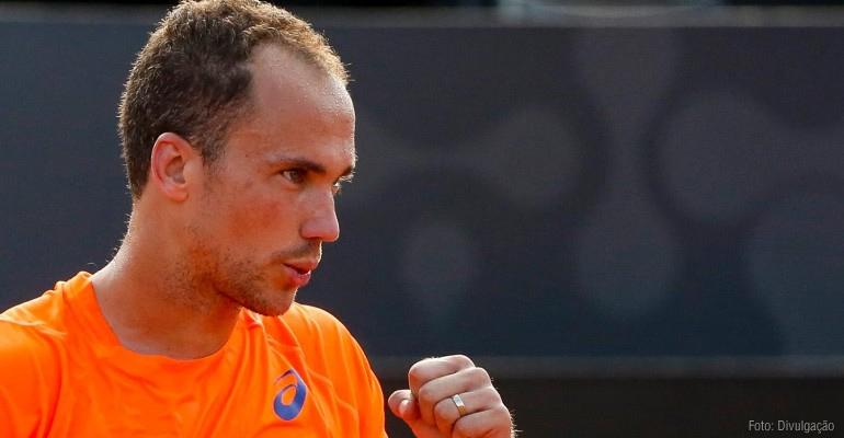 Bruno Soares se classifica para as semifinais em Londres