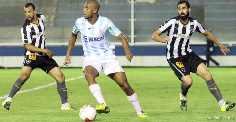 Macaé vence o Botafogo por 4 a 2 e se recupera na Série B