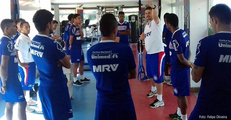 Elenco do Bahia inicia semana com treino físico