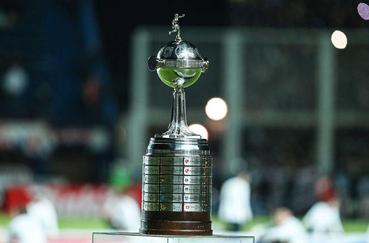 imagem da taça do campeonato Libertadores 2019