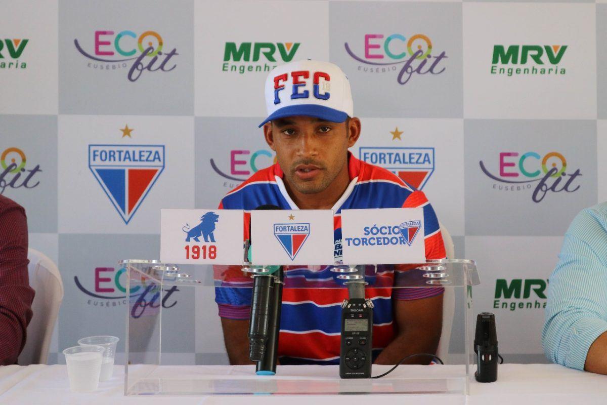 Edinho, do Fortaleza, participa de uma coletiva de imprensa com a MRV!