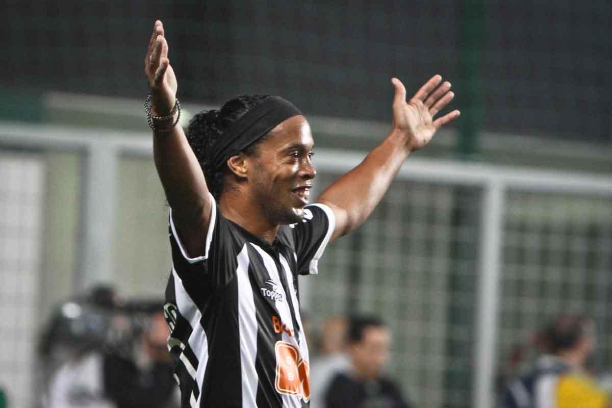 Ronaldinho Gaúcho um dos maiores maiores artilheiros do Galo