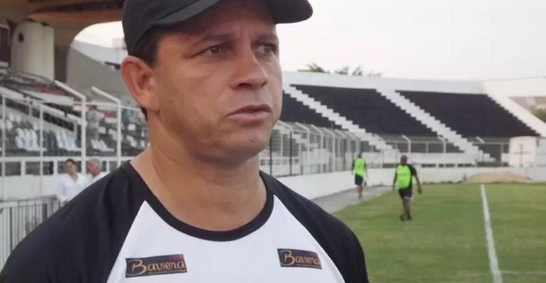 Goytacaz acerta com treinador para 2015