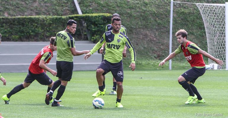 Calor da massa faz Rafael Carioca preferir jogar no Horto