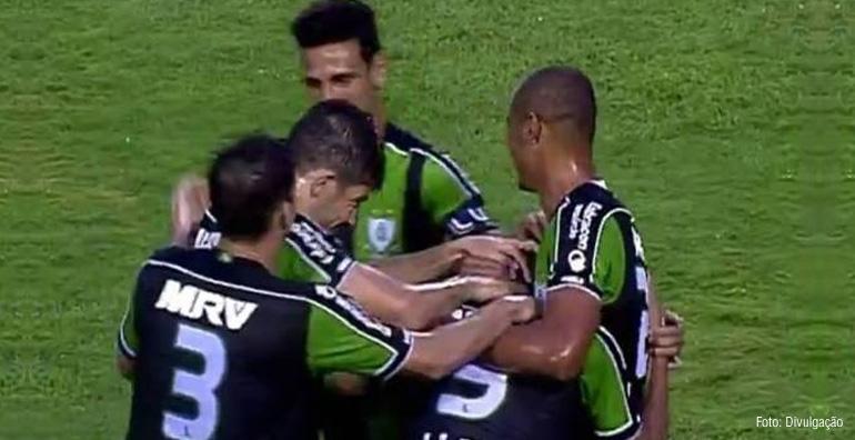 Coelho busca ficar perto do acesso contra o Paysandu