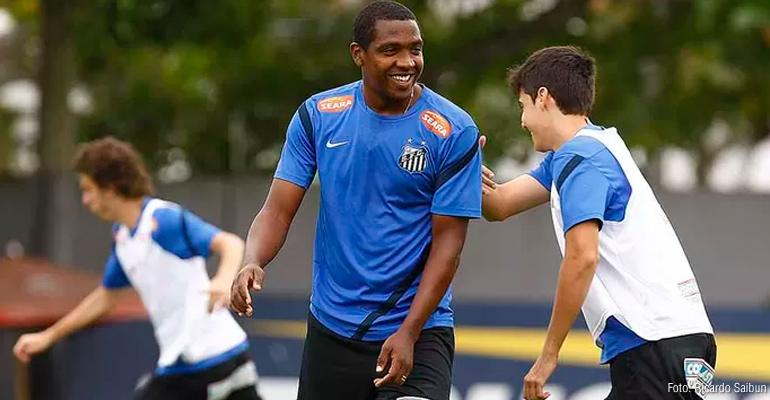 Goytacaz busca meia Renato Abreu para a Série B do Rio